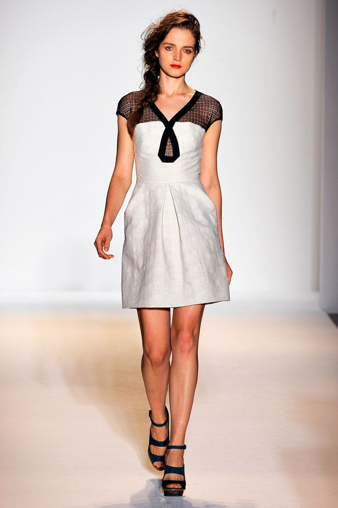 See the complete Lela Rose Spring 2011 Ready-to-Wear collection.