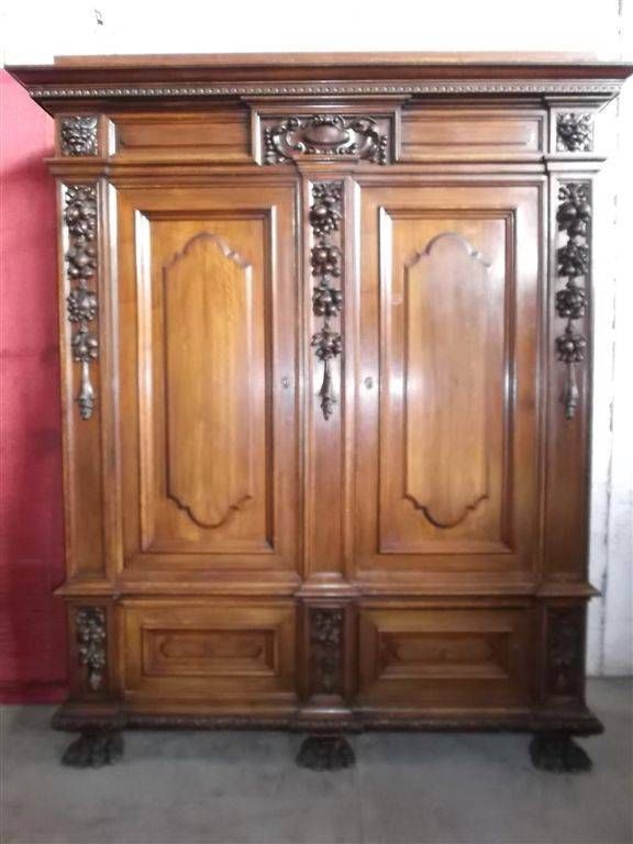 Beautiful Tuscan Antique Italian Carved Walnut Bedroom Set Armoire 13it090a Armoires