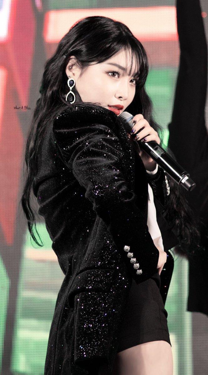 Media Tweets By Chungha Pics Snapping Kchunghapics Twitter Kpop Girls Kpop Girl Groups Girl Crushes