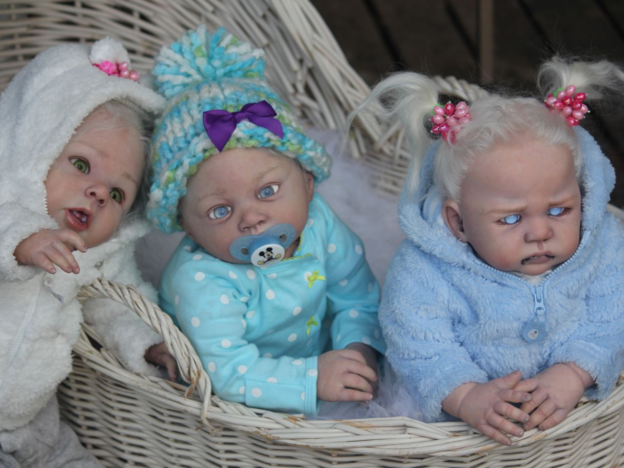 Look at those cute widdle fangs! Vampire, zombie 'reborn' dolls ...