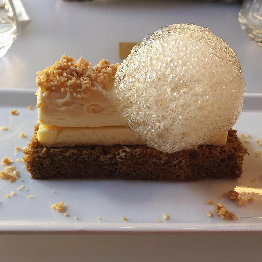 Tiramisù a modo mio! Crema : Sac á poche al mascarpone Biscotto : Mascarpone cake Bagna : Caffè Guarnizione : Crumble di biscotto al sesamo Decorazione : Spuma di caramello e fave di Tonka Tiramisù with mascarpone cream coffe sesame cookies and caramel mousse with Tonka bean. @thefeedfeed @official_italian_food #dessert #tiramisu #mascarpone #cheese #cake #coffee #crumble #cookies #caramel #tonka #instagood #instamood #thephoneeatsfirst #heresmyfood #LikeFoodLA #mousse #photooftheday #milano…
