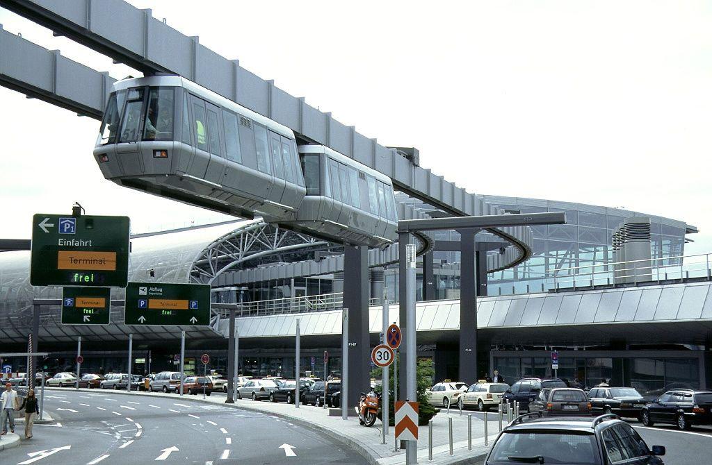 ボード「Airports」のピン