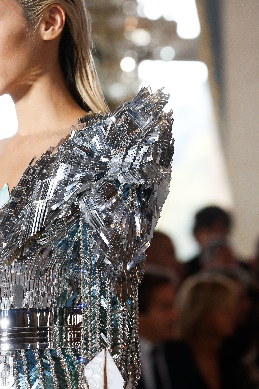 Balmain Spring 2019 Ready To Wear Fashion Show Fashion Futuristic Fashion Couture Fashion