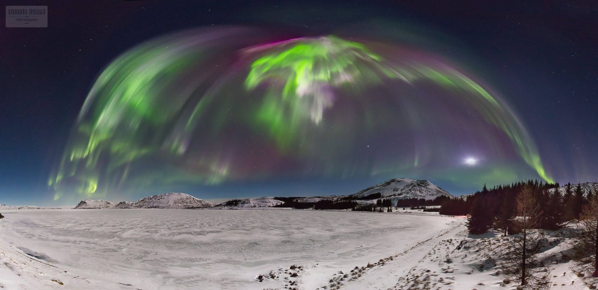 This is what the sky over Thingvellir, Iceland looked like on Saturday night. Simply stunning! Tag someone you'd like to witness this with.  Thanks to Sigurður William Photography for capturing this beautiful sight!