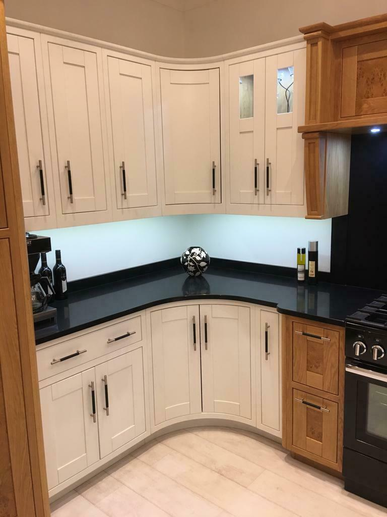 705 Reduced Ex Display Mayfair White Oak Kitchen Appliances Worktops 65 Off Ebay White Oak Kitchen Oak Kitchen Kitchen