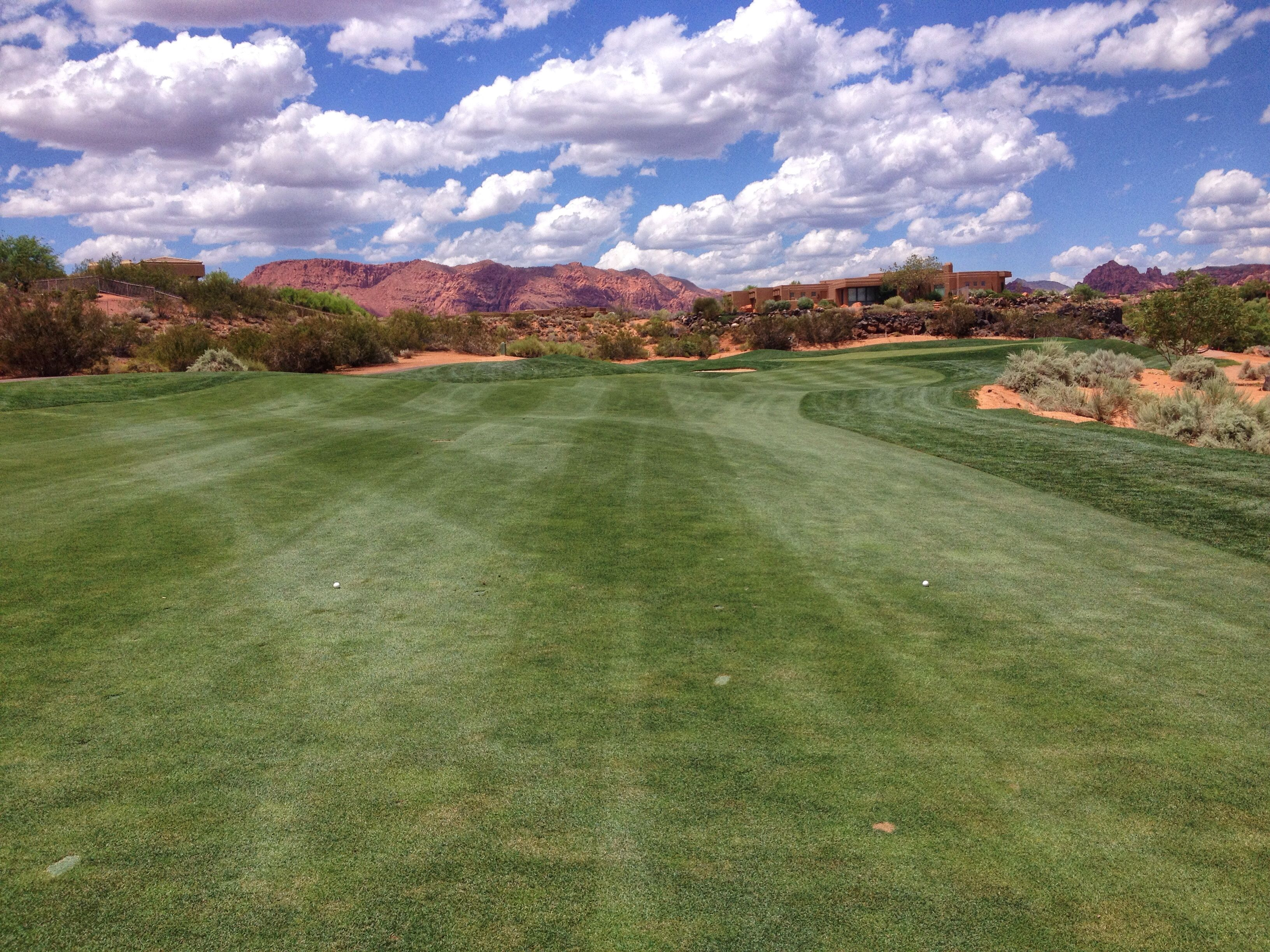 Beautiful Johnny Miller Signature Golf Course In Entrada In St George Utah Surrounded By Red Rocks And Black Lava F Snow Canyon State Park Golf Courses Scenic
