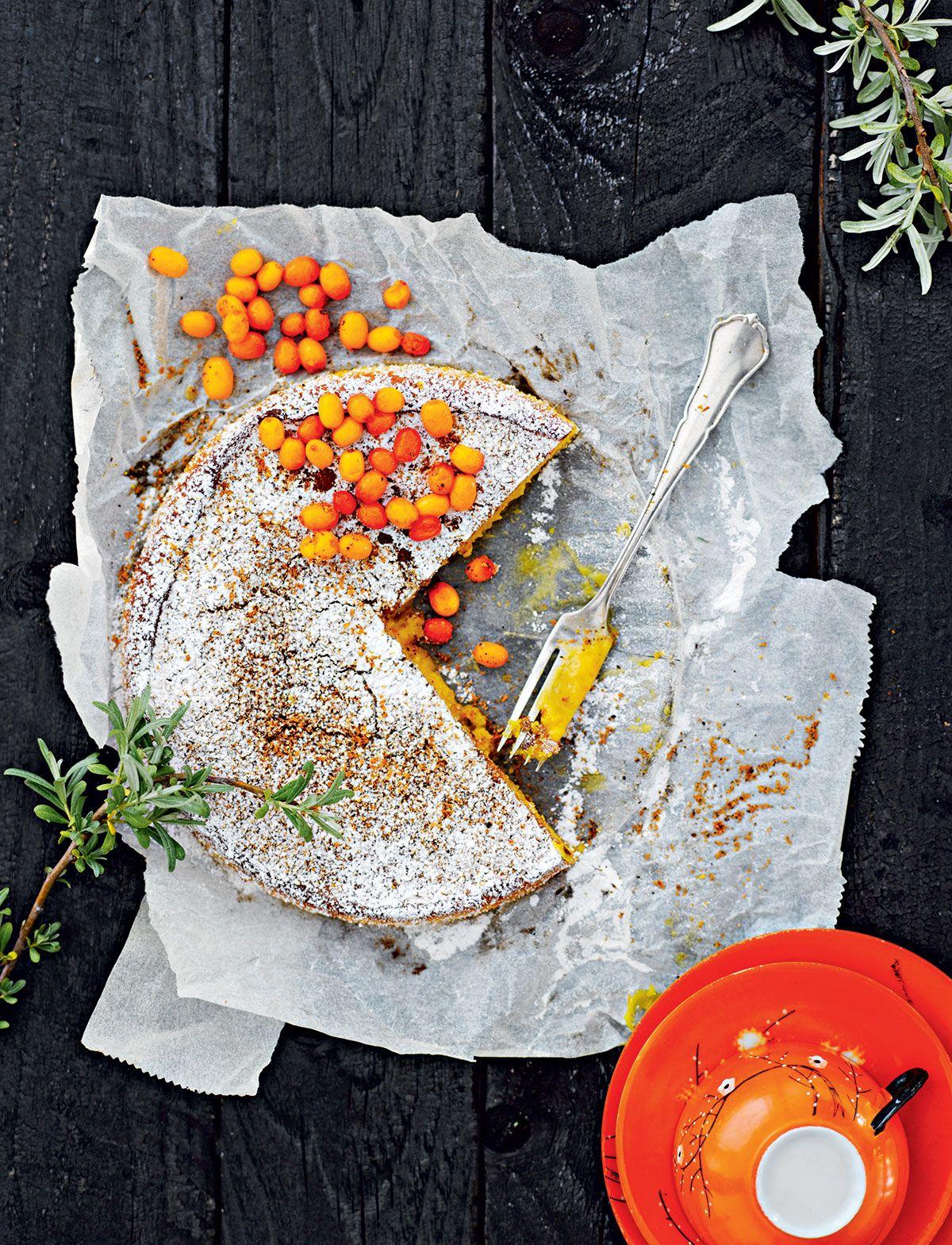 Resepti: Valkosuklaa-tyrnimutakakku