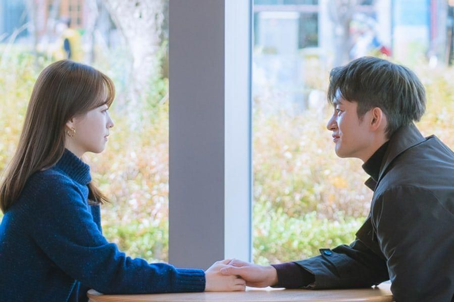 """Park Bo Young And Seo In Guk Enter Into Dangerous Contract In """"Doom At Your Service"""""""