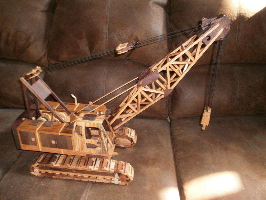 A Lattice Boom Crane