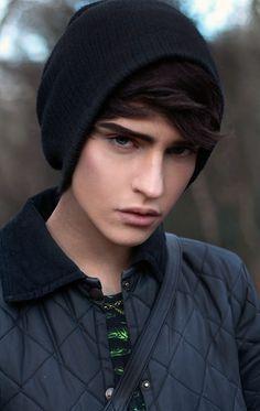 grey eyes black hair boy - pesquisa