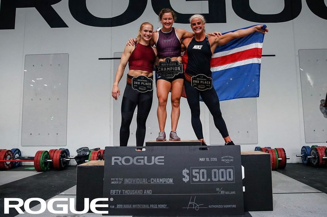 Tia Does It Again Roguefitness Rogueinvitational Crossfit Crossfitgames Columbusoh Sanctionals Crossfit Girls Girls Who Lift Rogue Fitness