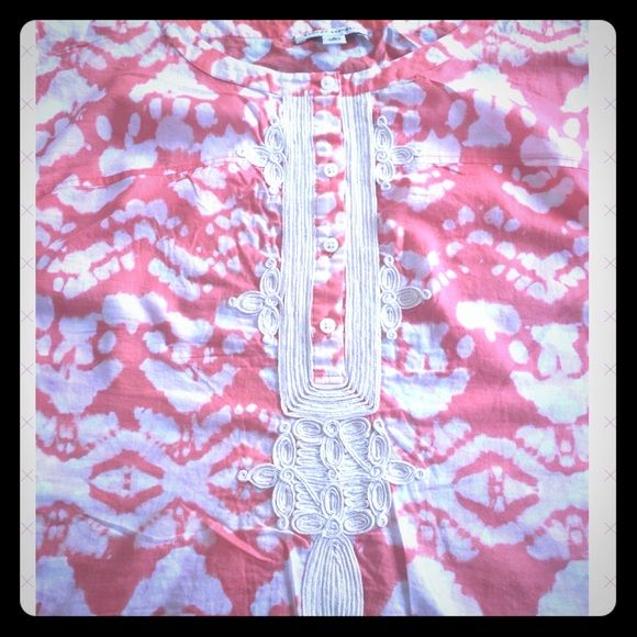 Top Cap Sleeves with beautiful design in front. Two toned in orange and white. Banana Republic Tops Blouses