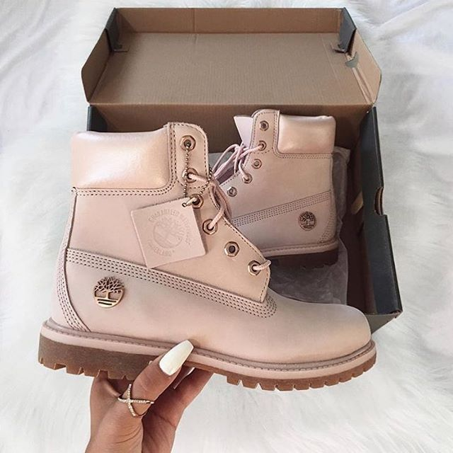 LIGHT PINK TIMBERLAND BOOTS on The Hunt