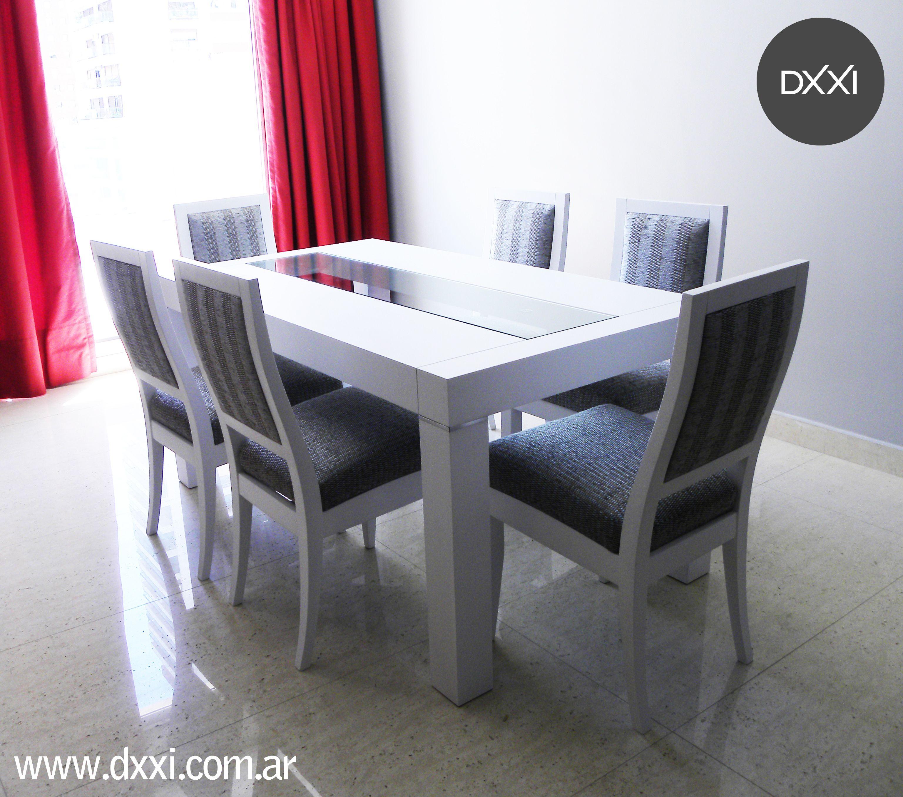Mesa de comedor modelo mora mdf laqueado blanco semi mate vidrio de 10mm sillas modelo urbana for Comedor de vidrio
