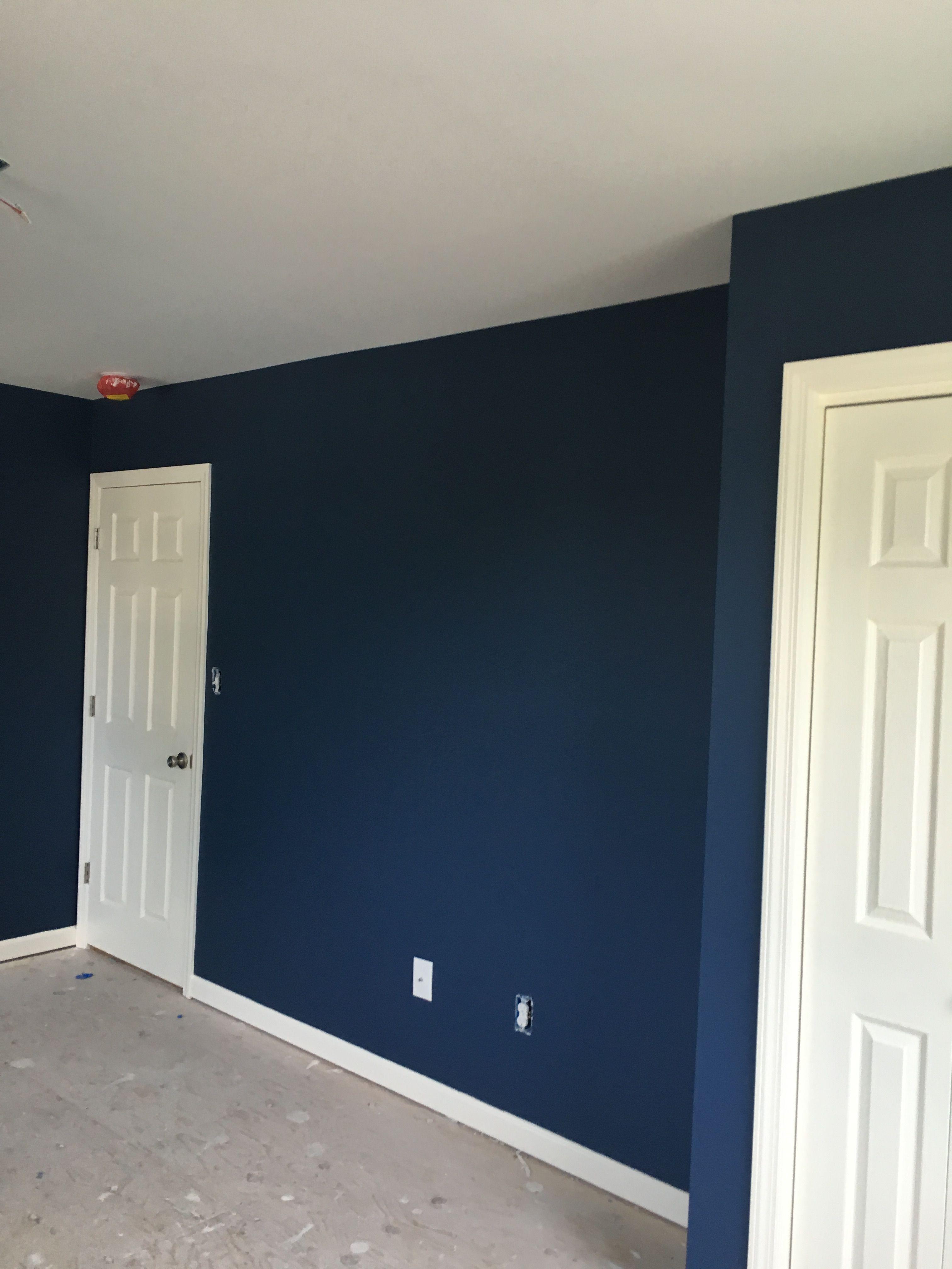 A Fresh Coat Of Walls Benjamin Moore Kensington Blue Matte Finish Ceiling Regal Flat White Trim Regal Select Wh Blue Accent Walls House Colors New Homes