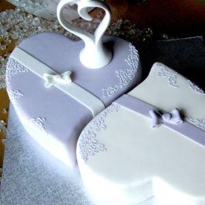 Lila Herzen Decoracion De Tortas Cake Wedding Cakes Und Heart Cakes