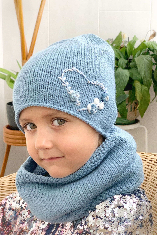 Woolen hat and snood set