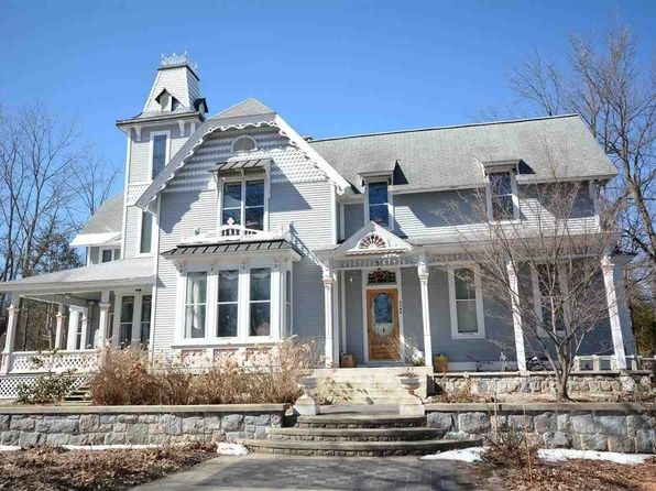 Traverse City Home For Sale Victorian Homes Colonial House Cottage Exterior