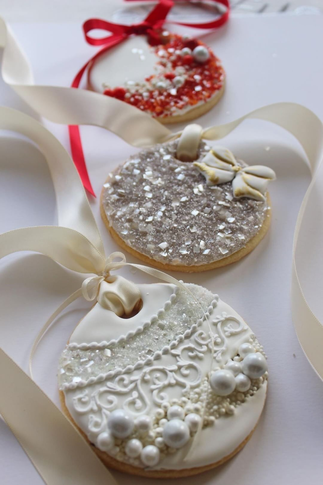 Ornate Ornament Cookies with Glittery Details!
