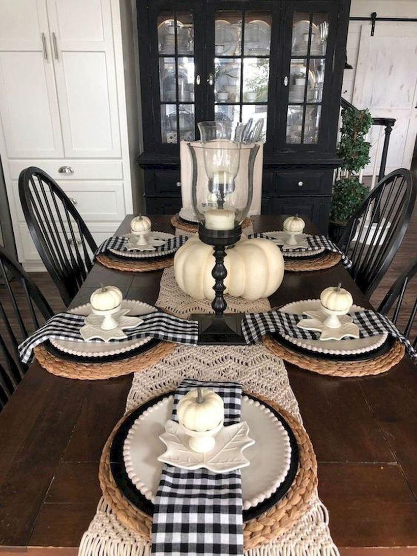 49 Impressive Farmhouse Dining Room Decor for you to apply in your home #farmhousediningroom