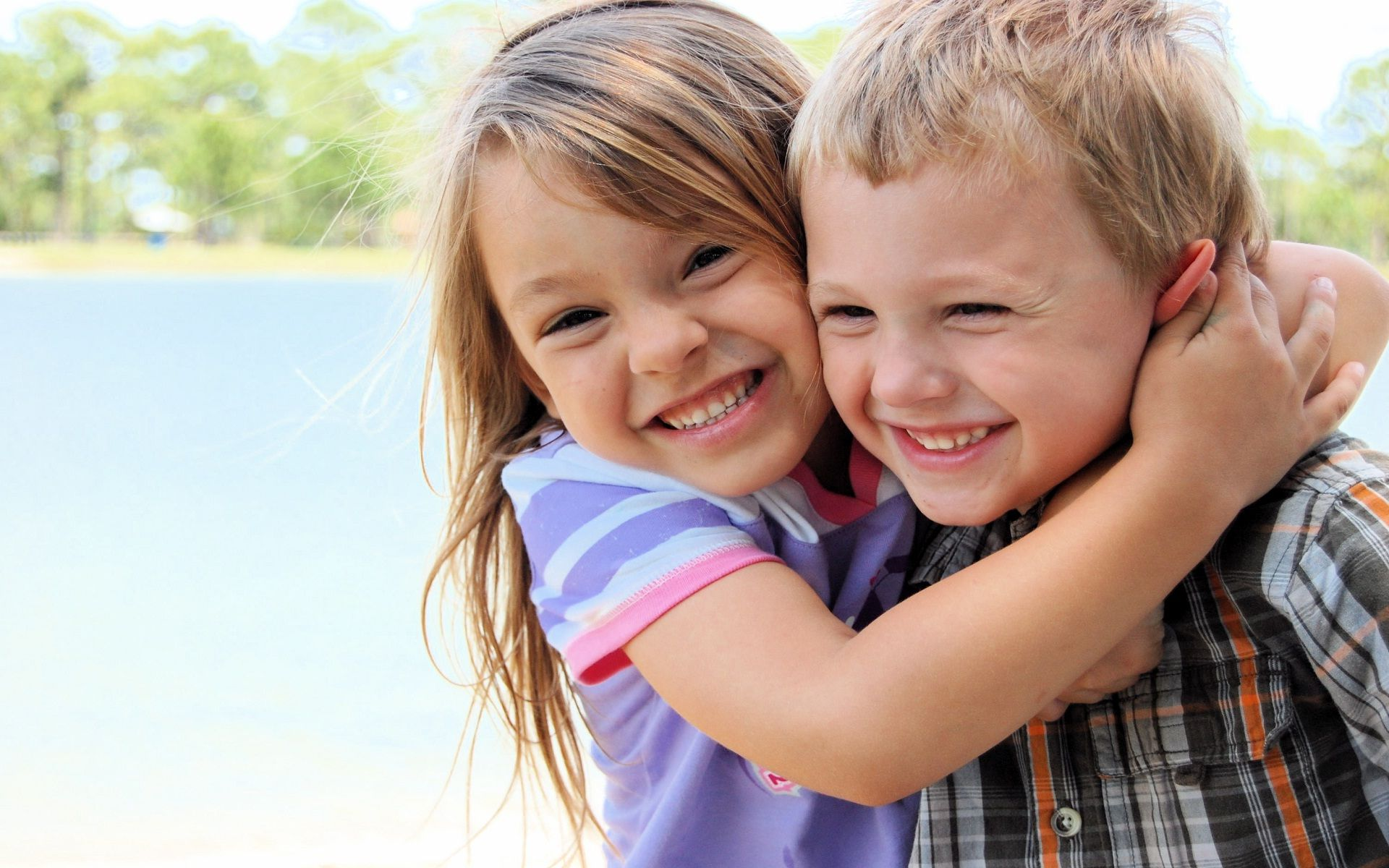 cute kids couple hug and fun | hd wallpapers rocks | android