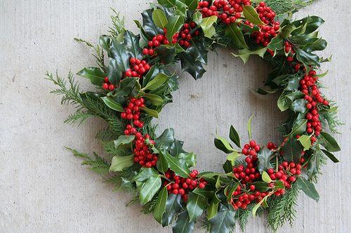 Holly/winter crown idea - Holly/winter Crown Idea Cosplay Ideas Christmas, Christmas