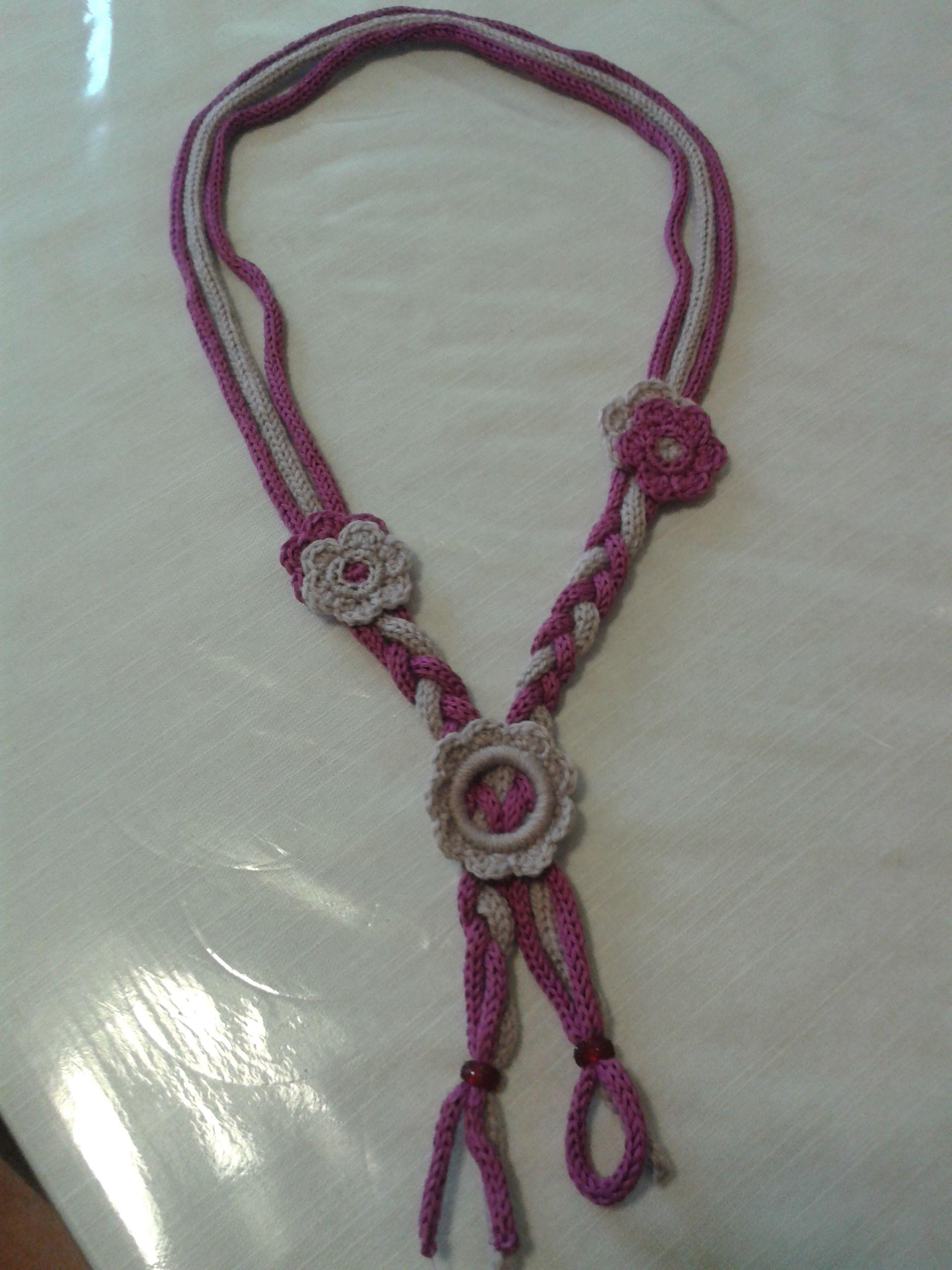 sfumature di costruzione razionale selezione mondiale di collana di lana e cotone con tubolare tricotin a fiorellini ...
