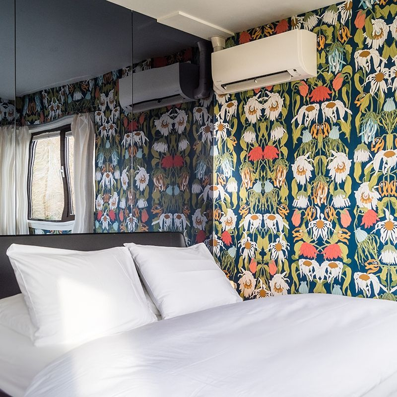 Bridge house 102 - Meeuwenpleinbrug recently got a vibrant makeover with Studio Job elements. What do you think of this colorful wallpaper?  #sweetshotel #amsterdam #studiojob #studio #job #interior #design #dutch #designer #hotel #hotels #styling #decor #boutique #unique #unusual #stays #getaway #citytrip #guide #travelguide #travel #travelling #conscious #reizen #bewust #milieuvriendelijk #sustainable #hergebruik #reuse #reused #repurpose #repurposed #industrial #heritage #erfgoed #industrieel