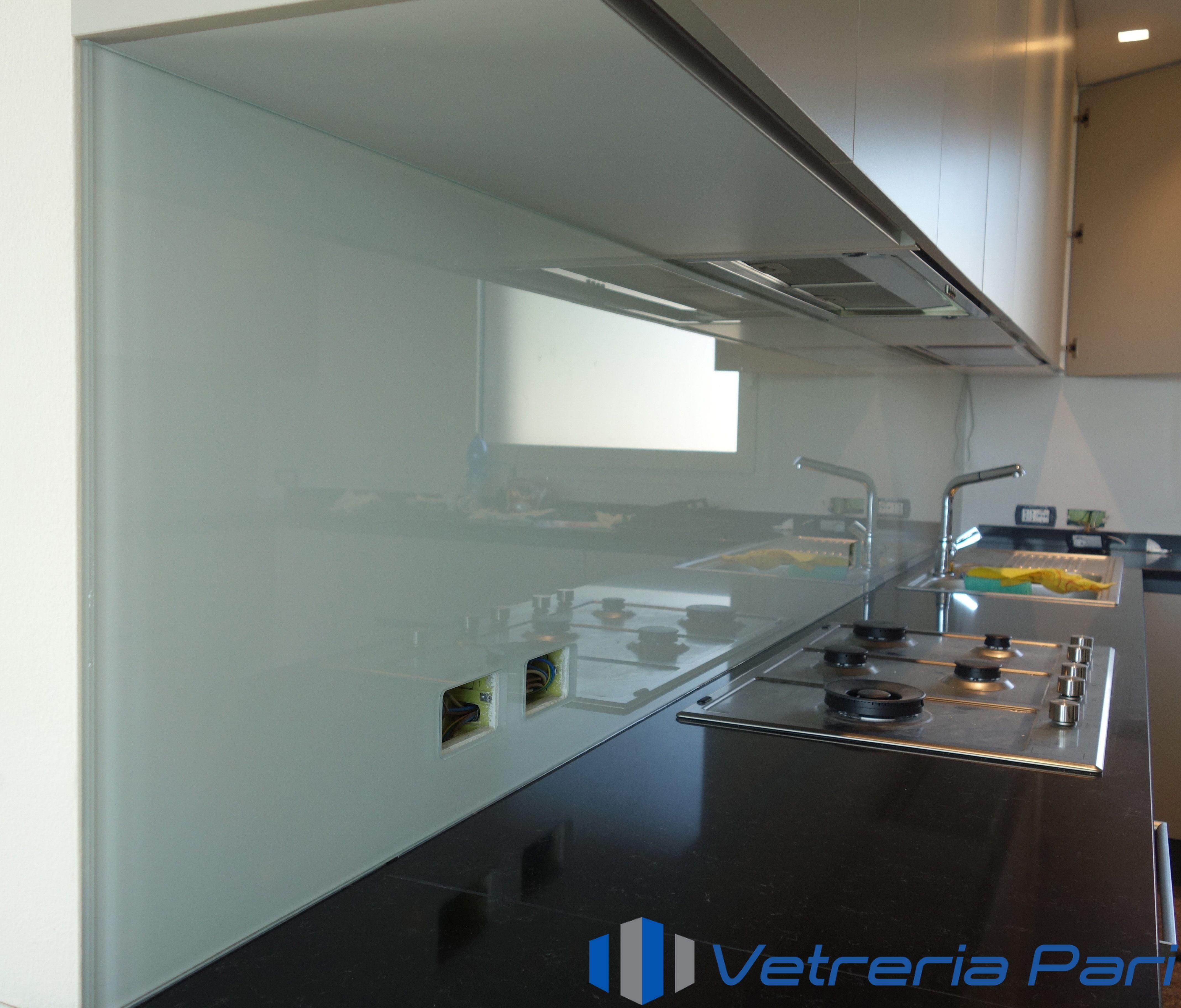 Rivestimento in vetro per cucina Riccione | rivestimento cucina nel ...