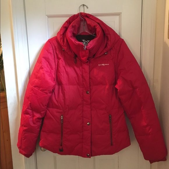 NEW!!! Red puffy jacket with removable hood! Puffy Pocket with removable hooded jacket. Very warm. Zipper for hood and zipper pockets. Zero Exposure. Mint condition!!!!!! Zero Exposure Jackets & Coats Puffers