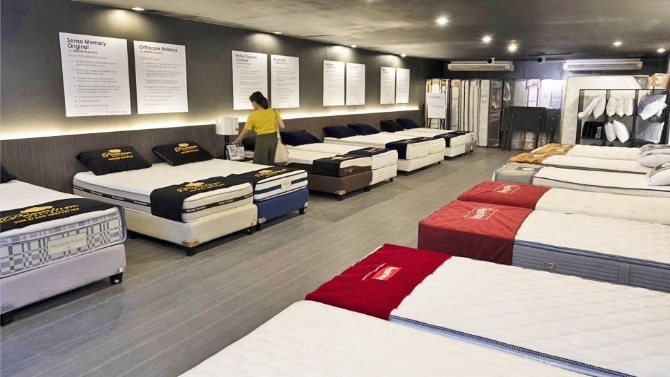 We Tested Different Mattresses Here Are Our Top 8 Picks Mattress Showroom Mattress Sealy Mattresses