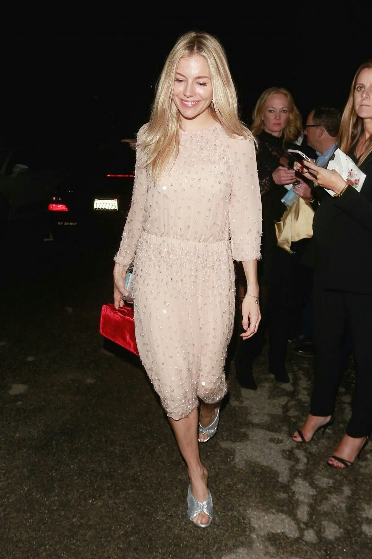 be511043d19 SiennaMiller  actress  americanactress  celebstyle  celebrety  style   fashion  hitgirl  outfit