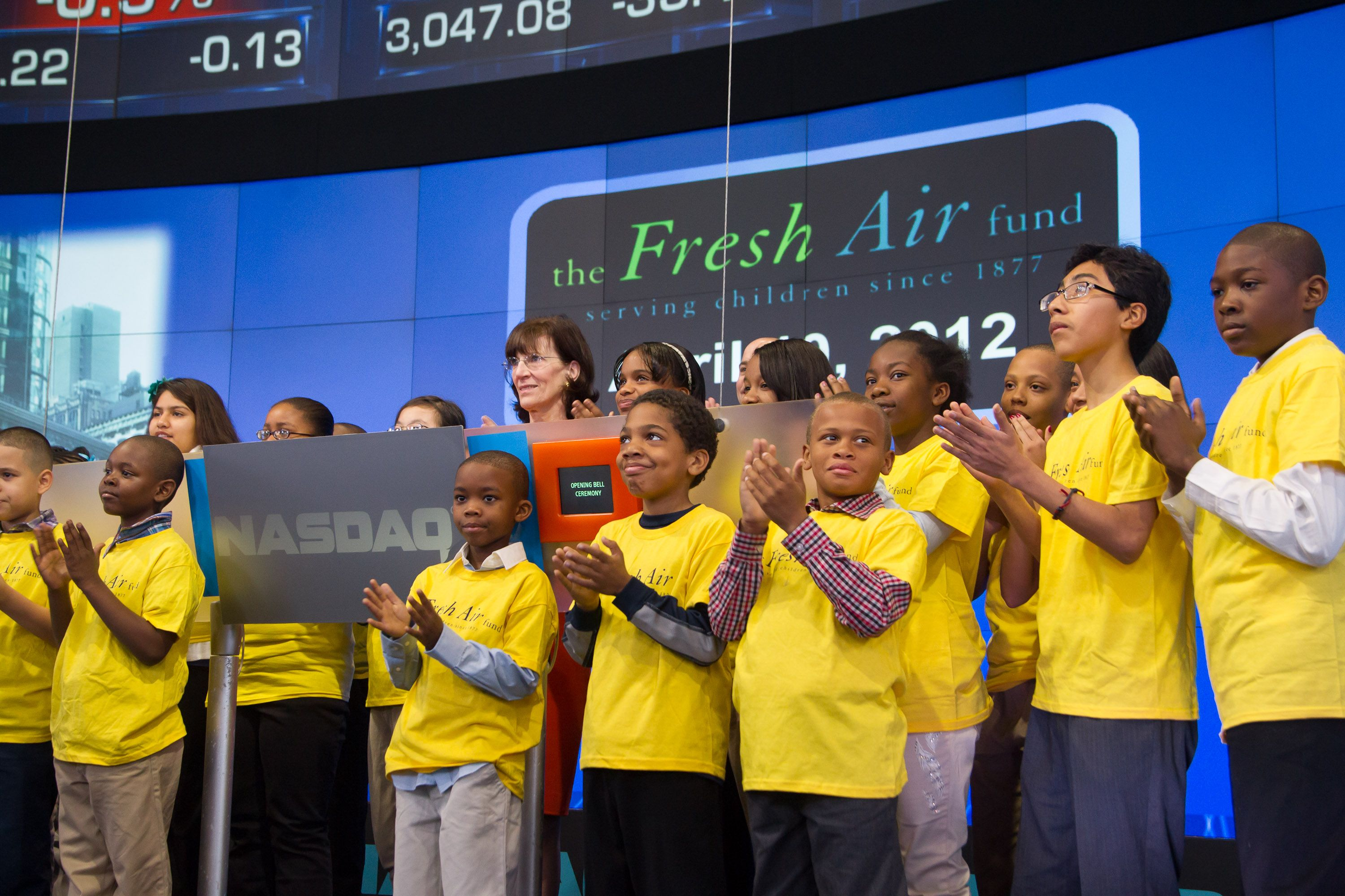 The Fresh Air Fund S Executive Director Jenny Morgenthau Was Joined By A Group Of Excited Fresh Air Children To Ring Nasdaq Stock Market Nasdaq Stock Market