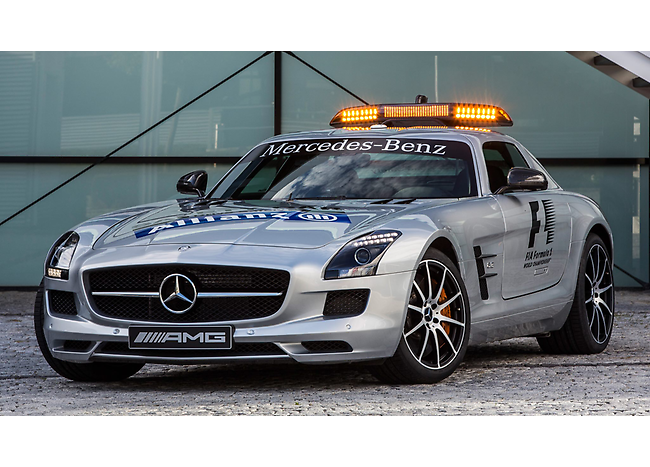 mercedes benz sls amg gt official f1 safety car this weekend s 2012 formula 1 singtel singapore. Black Bedroom Furniture Sets. Home Design Ideas