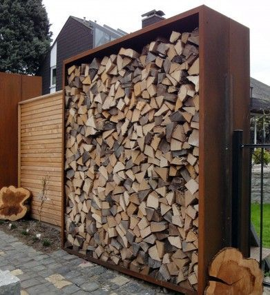 Bildergebnis für sichtschutz mit brennholz Holzlager