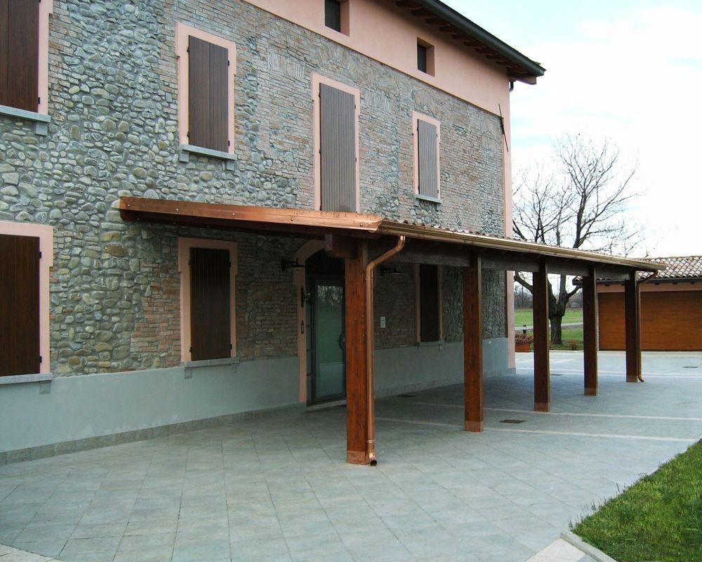 Porticato con colonne ad una falda linea classica for Costruire un cottage