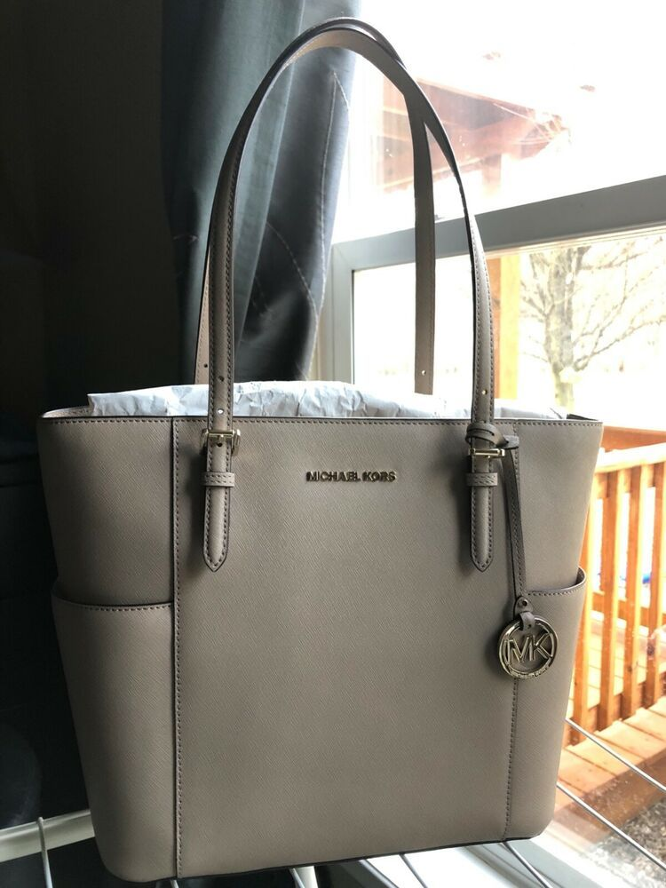 daa8627fdeed michael kors jet set travel tote - EUC | Women's Fashion in 2019 ...