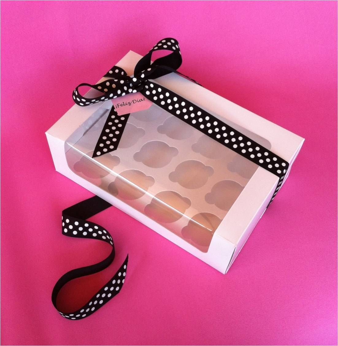 Caja para 12 Mini Cupcakes. Contáctanos: http://www.facebook.com ...
