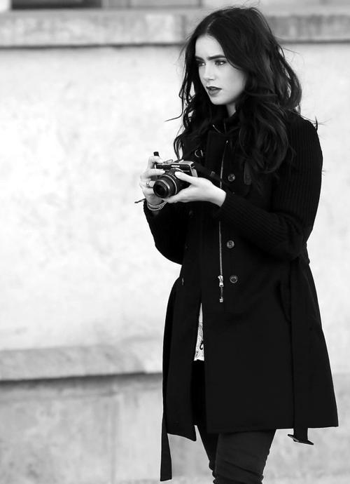 Lily colins et appareil photo Style lily collins