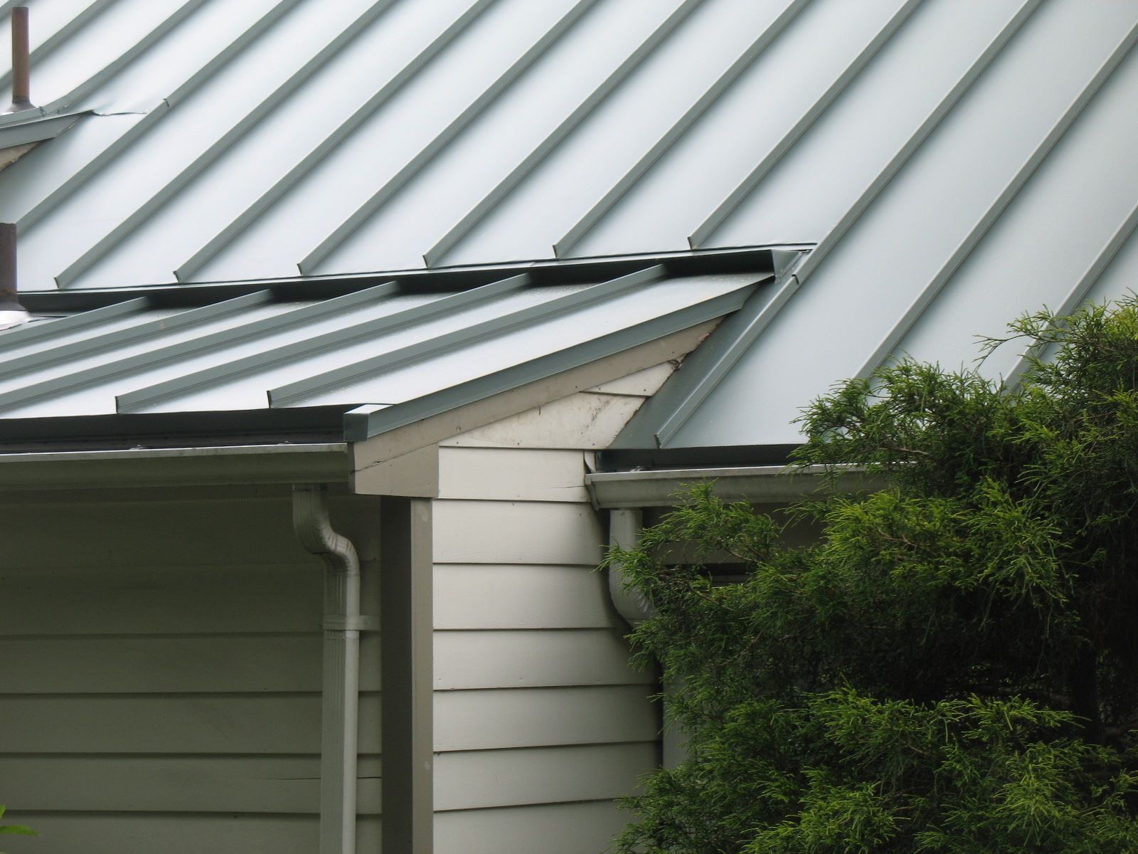 Standing Seam Classic Metal Roofs Llc Stow Ma Standing Seam Standing Seam Metal Roof Aluminum Roof