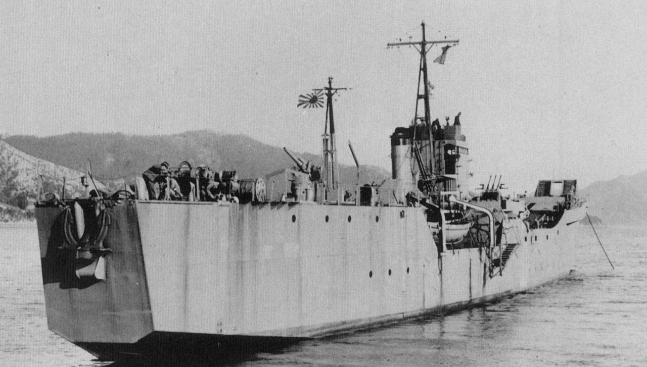 Landing craft No. 151 (No. 103-class) of the Imperial Japanese ...