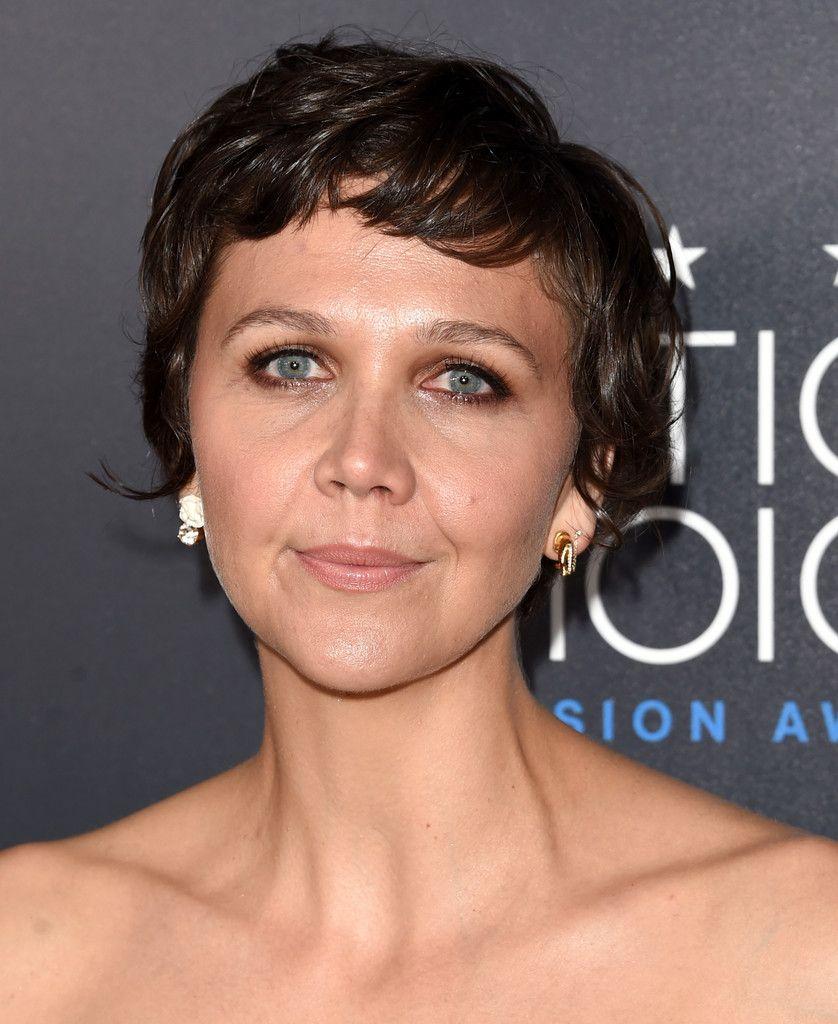 Maggie Gyllenhaal S Pixie Maggie Gyllenhaal Short Hair Styles Hair Care Advice