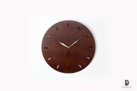لمحبي البساطة والهدوء ساعة حائط أنيقة وراقية تناسب جميع أنواع الديكورات مصنوعة من أجود أنواع الخشب تصميم الساعة قمة في البساطة والرقي Wall Clock Clock Wall