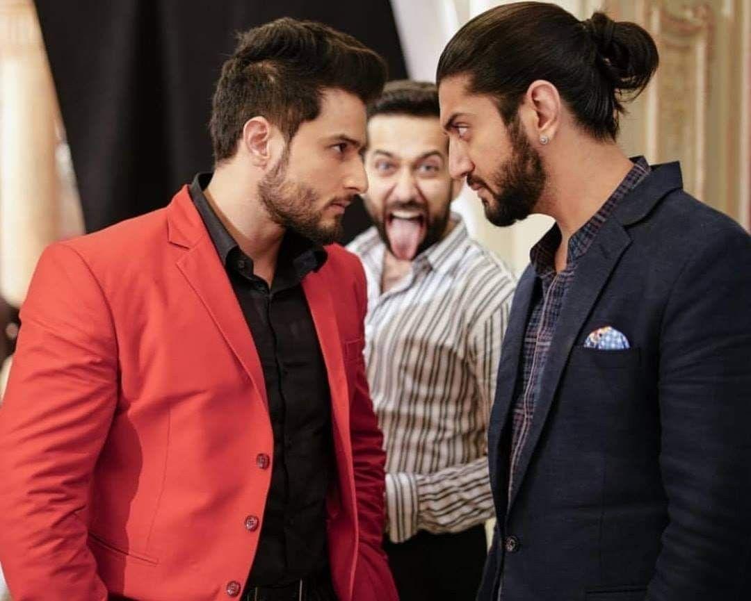 Ishqbaz Brothers In 2020 Men S Blazer Blazer Nakul Mehta
