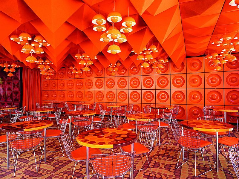The spiegel canteen in hamburg by verner panton for Spiegel verlagshaus