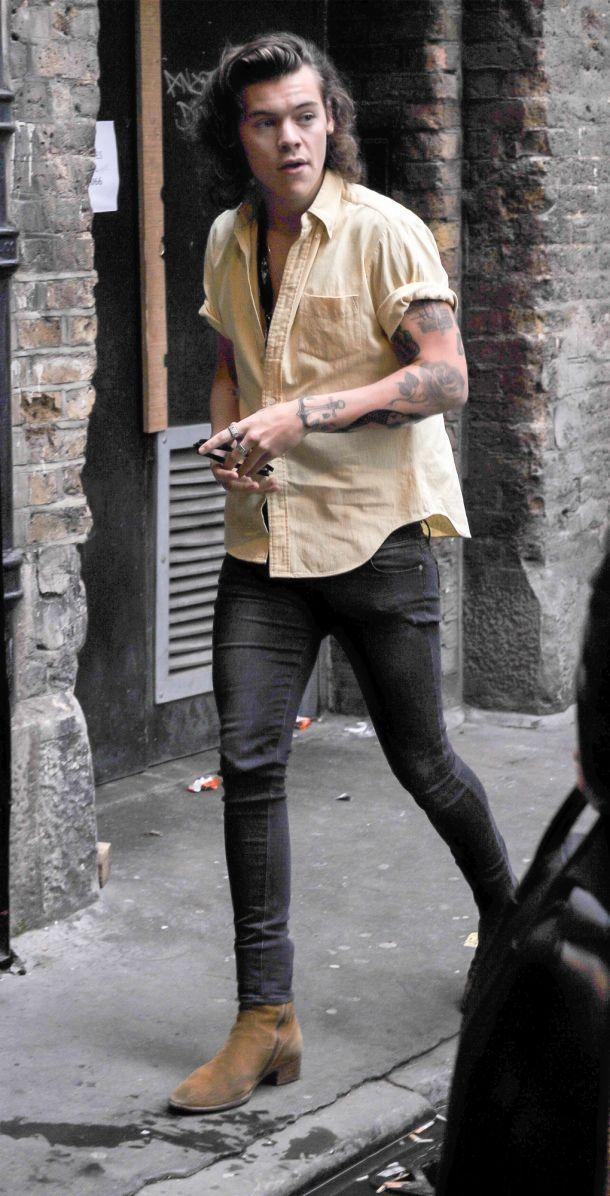 Harry Styles Street Style Chelsea Boots (con immagini)