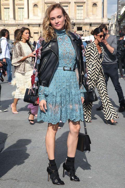 Con vestido de encaje azul celeste vimos a Diane Kruger en Elie Saab.