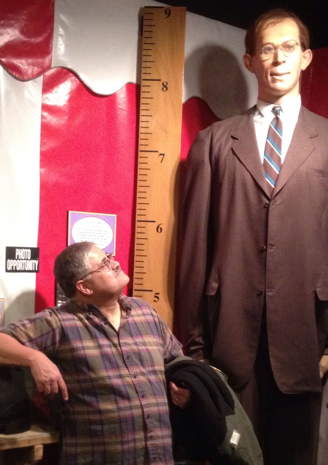 Robert Pershing Wadlow That Is One Tall Guy Eight Foot Eleven Inches Tall