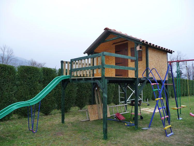 cabane bois pour enfants jardin pinterest cabane bois cabanes et pour enfants. Black Bedroom Furniture Sets. Home Design Ideas
