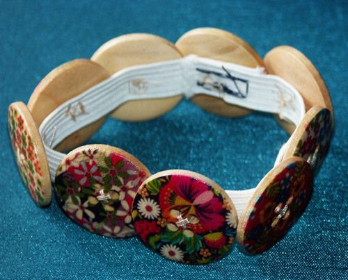 DIY ~ Button Bracelet